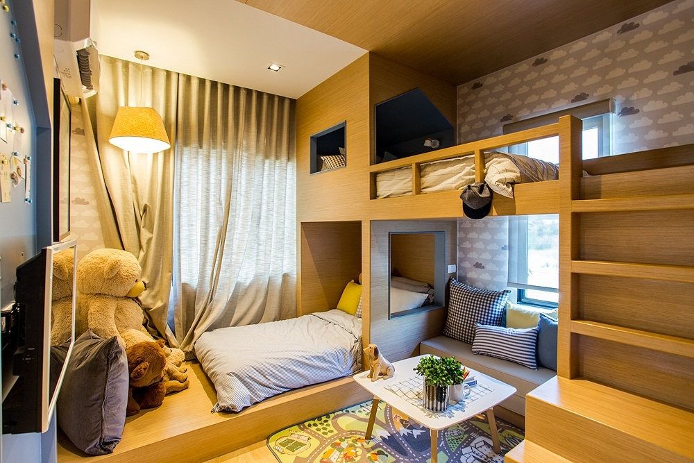 Loft Beds For Tiny Rooms
