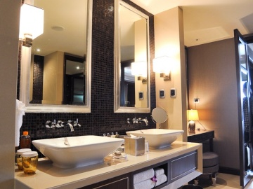 แบบห้องน้ำ Presidential Suite Master Bathroom: Grand Millennium Sukhumvit
