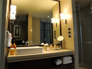 แบบห้องน้ำ Deluxe Bathroom: Grand Millennium Sukhumvit